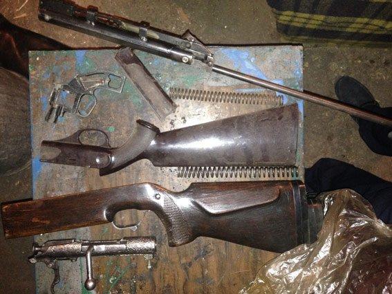 Житель Энергодара хранил в гараже личный арсенал  (ФОТО) (фото) - фото 1