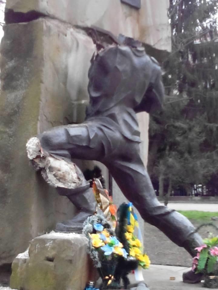 У Львові відновлять знищений вандалами пам'ятник афганцям (ФОТО) (фото) - фото 2