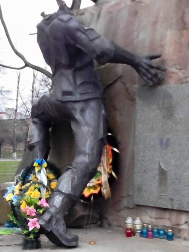 У Львові відновлять знищений вандалами пам'ятник афганцям (ФОТО) (фото) - фото 3