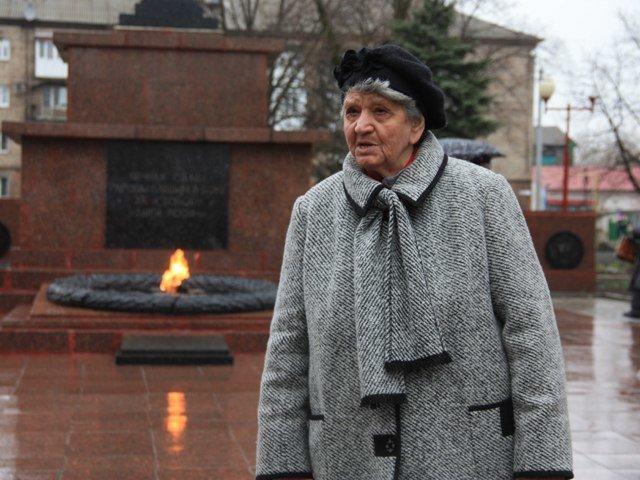 Макеевчане почтили память узников фашистских лагерей (фото) - фото 3