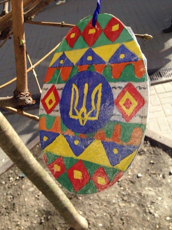 У Франківську на «стометрівці» ростуть писанки (ФОТОФАКТ) (фото) - фото 5