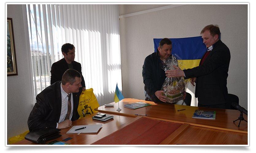 У Славянска появился новый город-побратим (фото) - фото 5