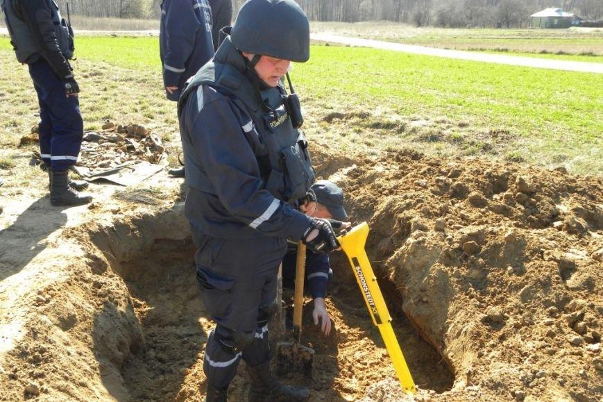 Эхо войны: в Черниговской области были взорваны 9 гранат 70-летней давности (фото) - фото 1