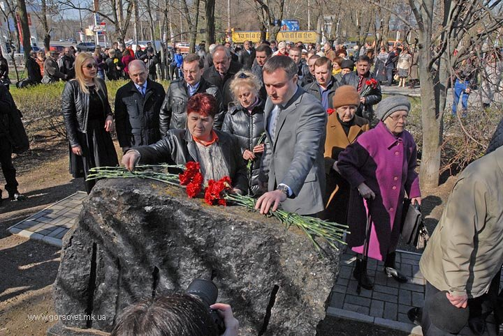Николаевцы почтили память узников фашистских концлагерей (ФОТО) (фото) - фото 2