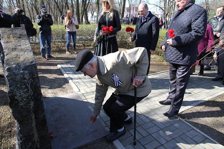 Николаевцы почтили память узников фашистских концлагерей (ФОТО) (фото) - фото 5
