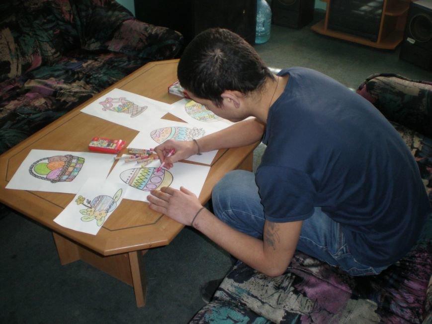 Неповнолітні ув'язнені малювали писанки (ФОТО) (фото) - фото 2
