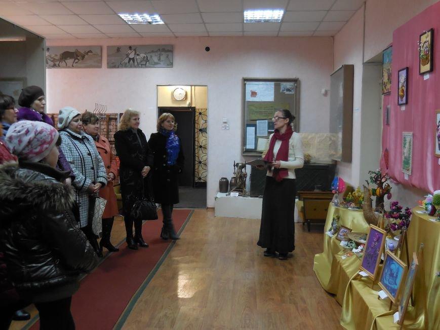 В Красноармейском историческом музее работает пасхальная выставка (фото) - фото 1
