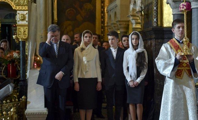 Петр Порошенко: Главное сегодня – наше единство и взаимная поддержка (ФОТО, ВИДЕО) (фото) - фото 1