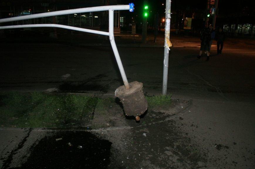 В Кременчуге ночные гонки по Пролетарской закончились аварией (ФОТО), фото-5