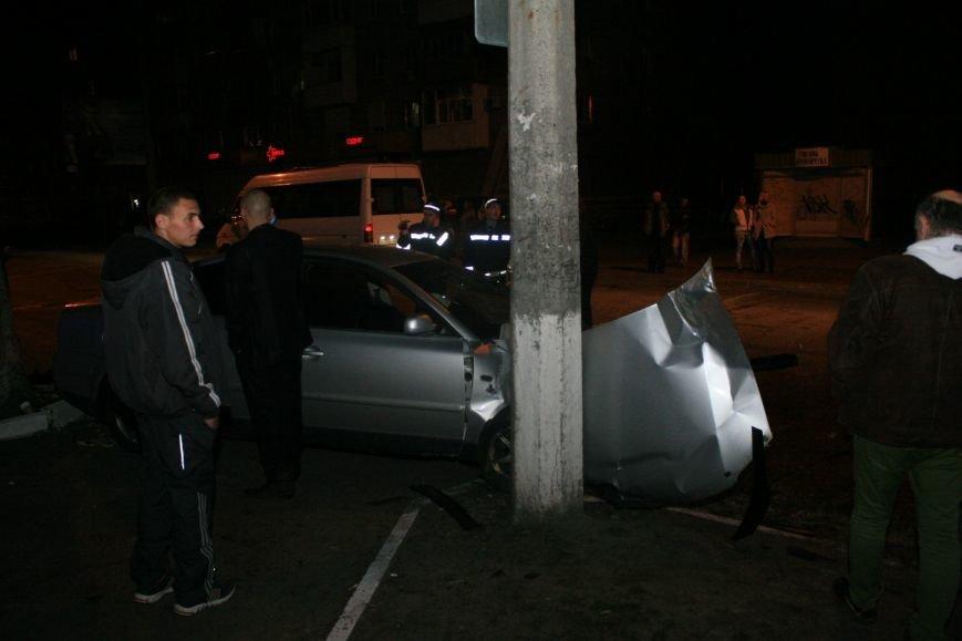 В Кременчуге ночные гонки по Пролетарской закончились аварией (ФОТО), фото-2