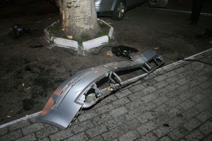 В Кременчуге ночные гонки по Пролетарской закончились аварией (ФОТО), фото-1