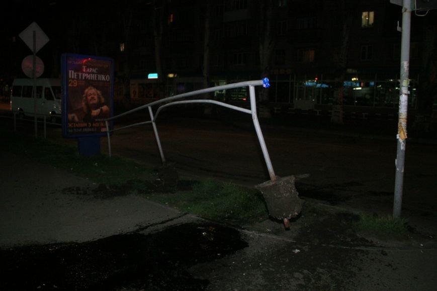 В Кременчуге ночные гонки по Пролетарской закончились аварией (ФОТО), фото-6