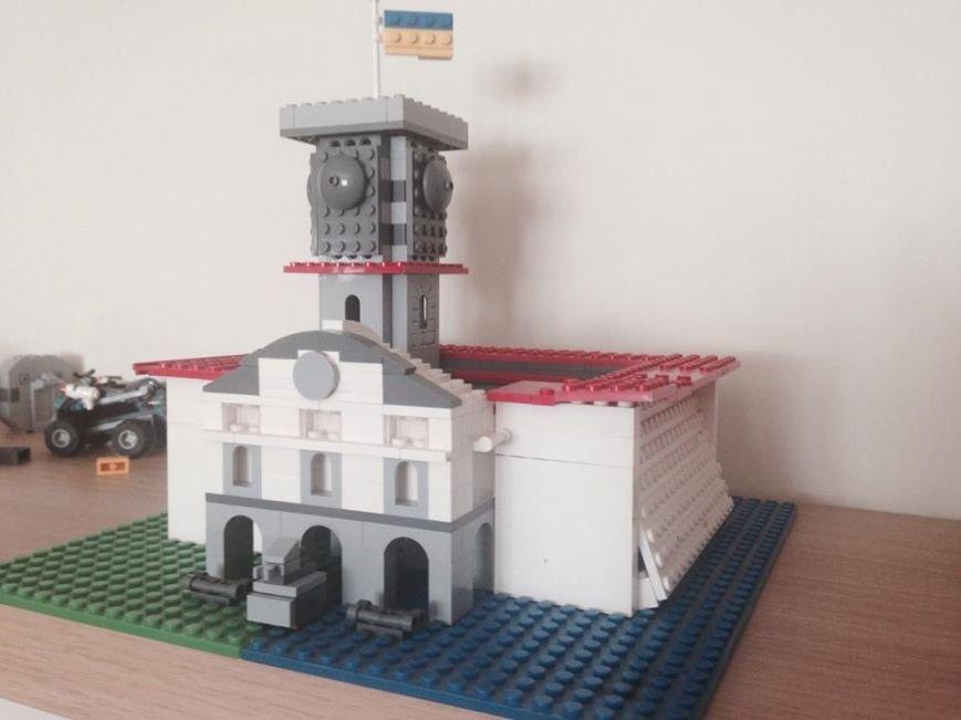 Вдома у Андрія Садового є Ратуша із конструктора «Лего», яку власноруч змайстрували діти мера (ФОТО), фото-1