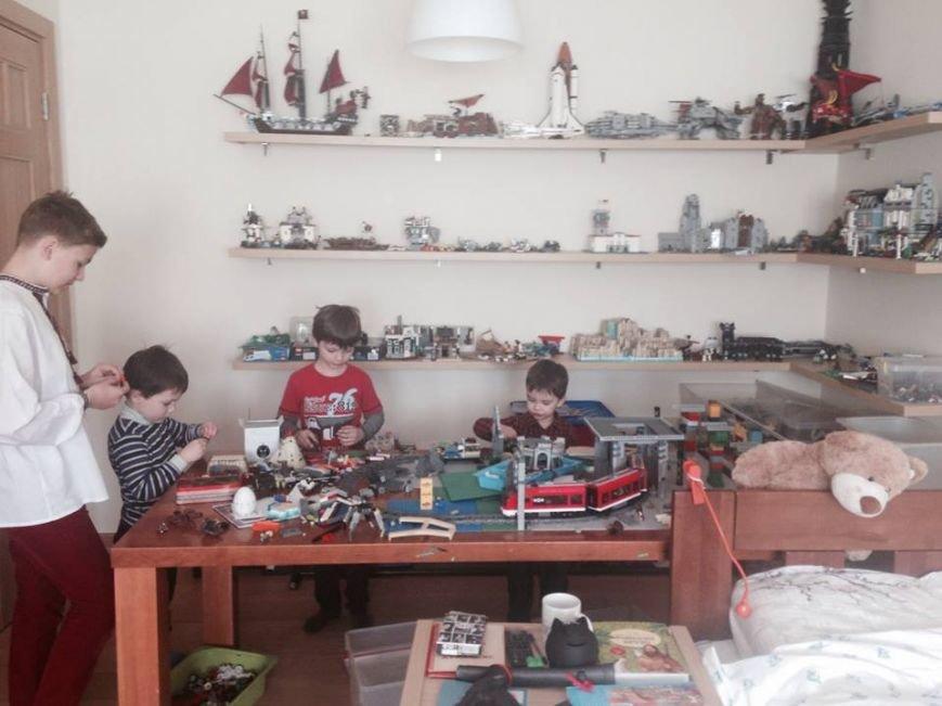 Вдома у Андрія Садового є Ратуша із конструктора «Лего», яку власноруч змайстрували діти мера (ФОТО), фото-2