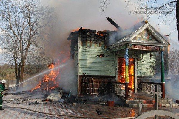 На Великдень на Тернопільщині горіла церква (фото) (фото) - фото 1