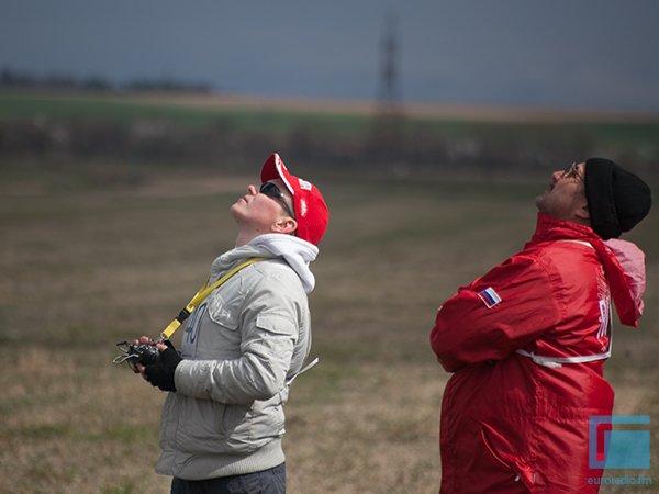 Под Гродно День Космонавтики отметили запуском самолетов и ракет (фото) - фото 5