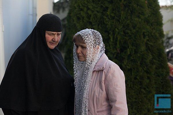 В Гродно православные освещали яйца, булки и деньги (фото) - фото 4