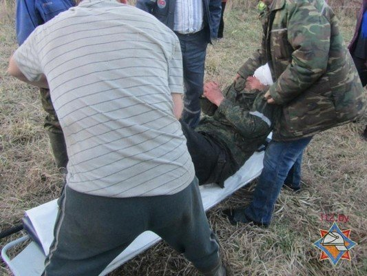 В Сморгонском районе спасатели достали мужчину из колодца (фото) - фото 2