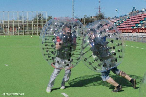 Бампербол в Гродно: молодые предприниматели предлагают одеть воздушные шары и сыграть в футбол (фото) - фото 3