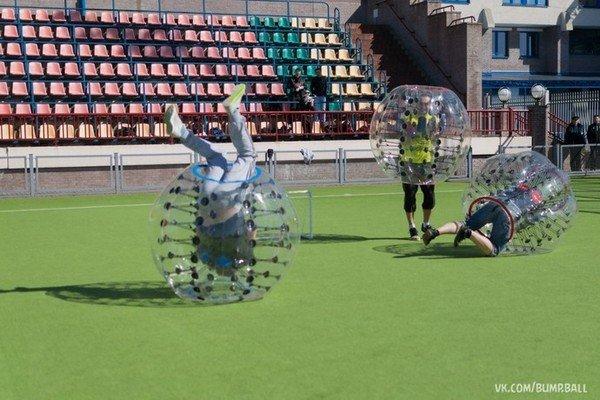 Бампербол в Гродно: молодые предприниматели предлагают одеть воздушные шары и сыграть в футбол (фото) - фото 4