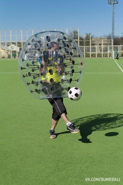 Бампербол в Гродно: молодые предприниматели предлагают одеть воздушные шары и сыграть в футбол (фото) - фото 2