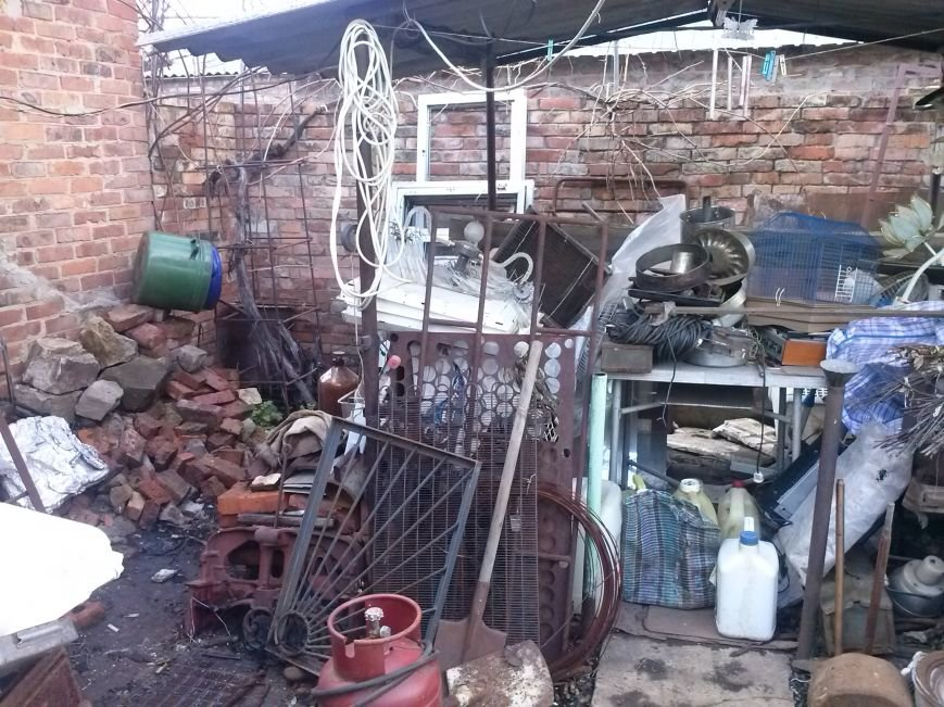 В Артемовске милиция изъяла 4 тонны незаконного металлолома и боеприпасы, фото-1