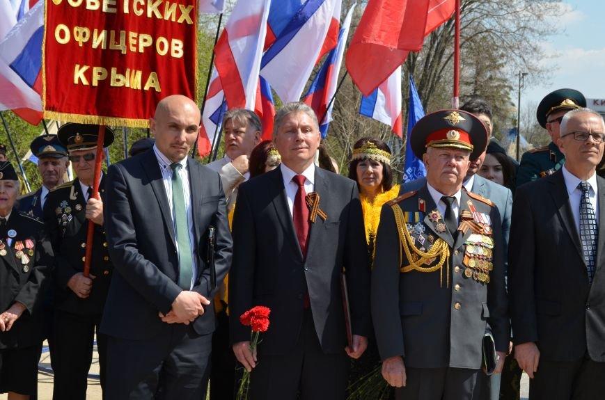 В Симферополе торжественно открыли два новых памятника (ФОТОРЕПОРТАЖ), фото-5