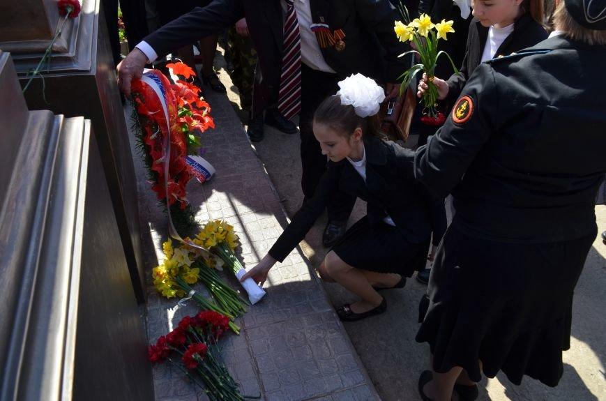 В Симферополе торжественно открыли два новых памятника (ФОТОРЕПОРТАЖ), фото-11