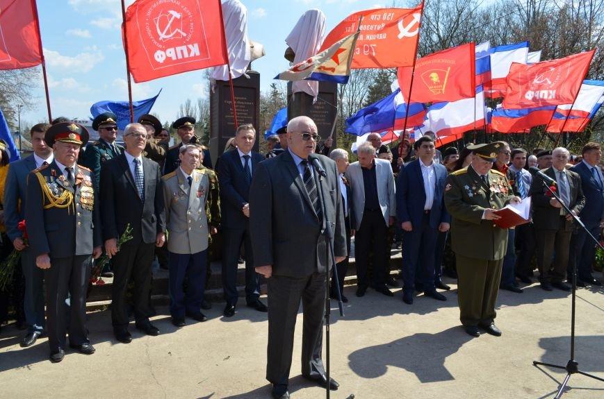 В Симферополе торжественно открыли два новых памятника (ФОТОРЕПОРТАЖ), фото-9