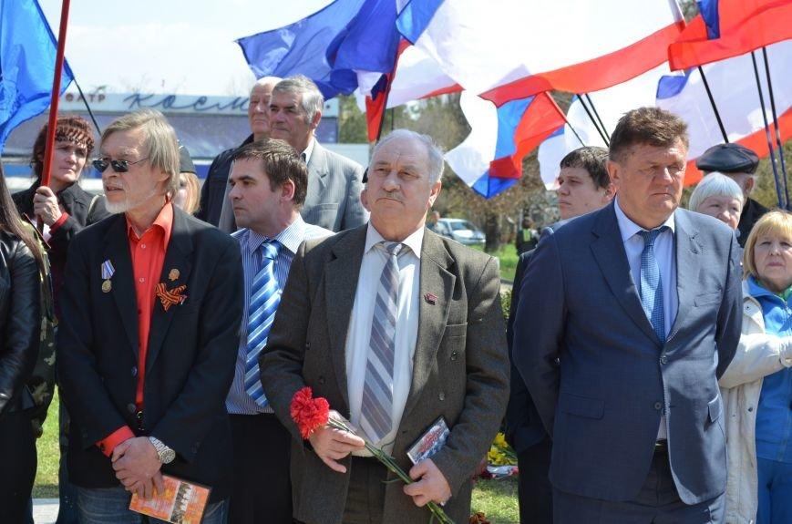 В Симферополе торжественно открыли два новых памятника (ФОТОРЕПОРТАЖ), фото-8