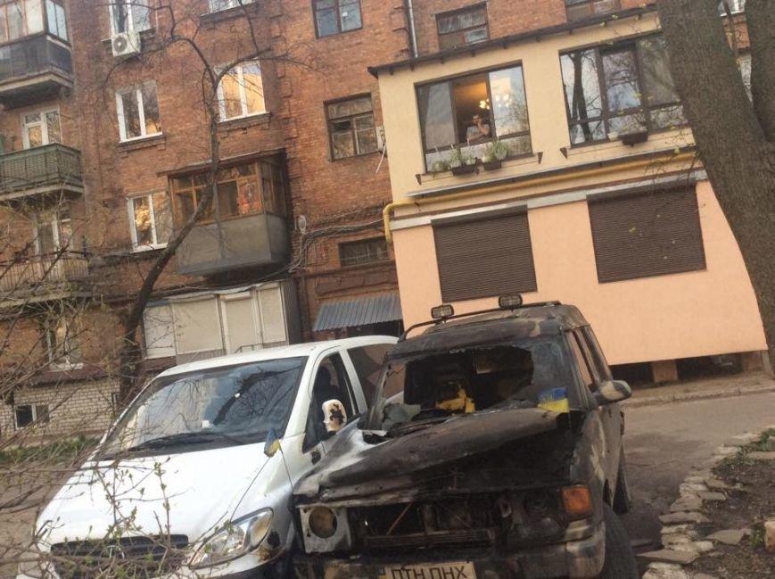 В Харькове ночью сожгли машины евромайдановцев (ФОТО), фото-2