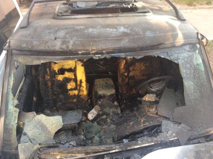 В Харькове ночью сожгли машины евромайдановцев (ФОТО), фото-4