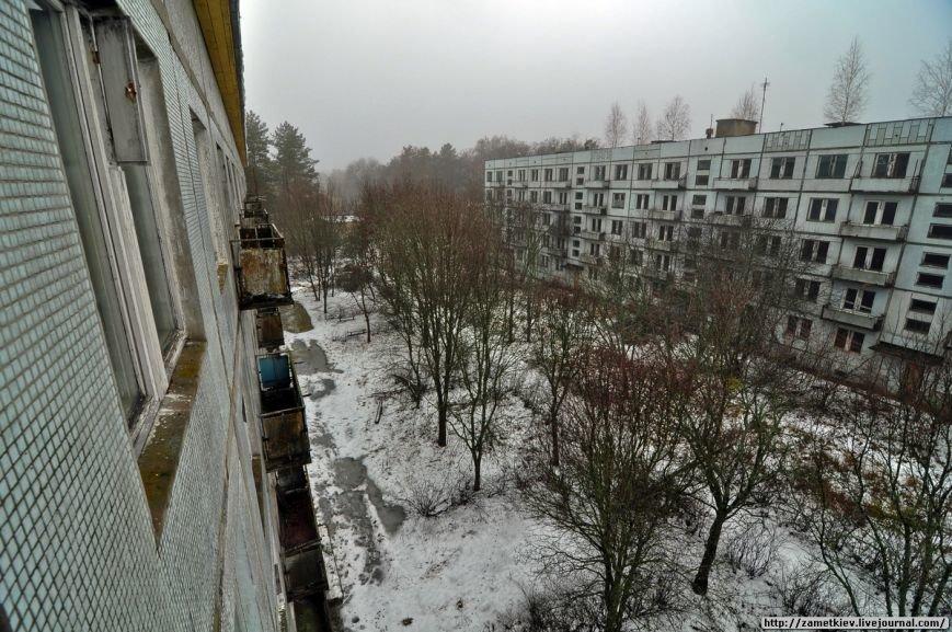 Блогеры посетили заброшенный город в Черниговской области (фото) - фото 8