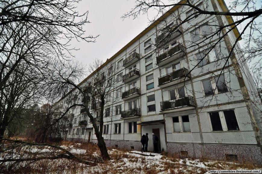 Блогеры посетили заброшенный город в Черниговской области (фото) - фото 4