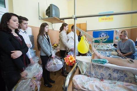 Марина Порошенко навестила солдатов в военном госпитале, фото-2