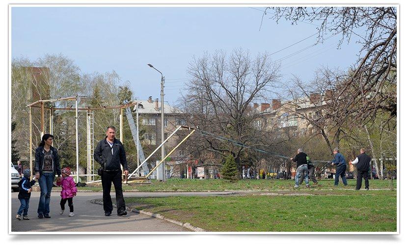 Пристанище Диво-Птаха полностью убирают с площади Славянска (фотофакт) (фото) - фото 5