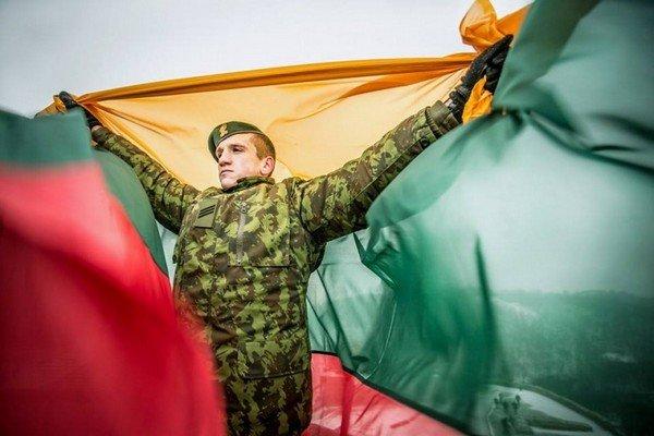 В Литве проходят военные учения с НАТО: впервые испытывают Paladin (фото) - фото 4