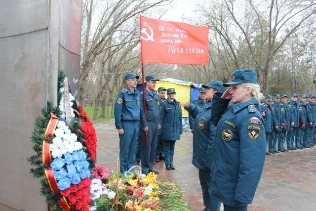 В Феодосии состоялась патриотическая акция «Знамя Победы», фото-1