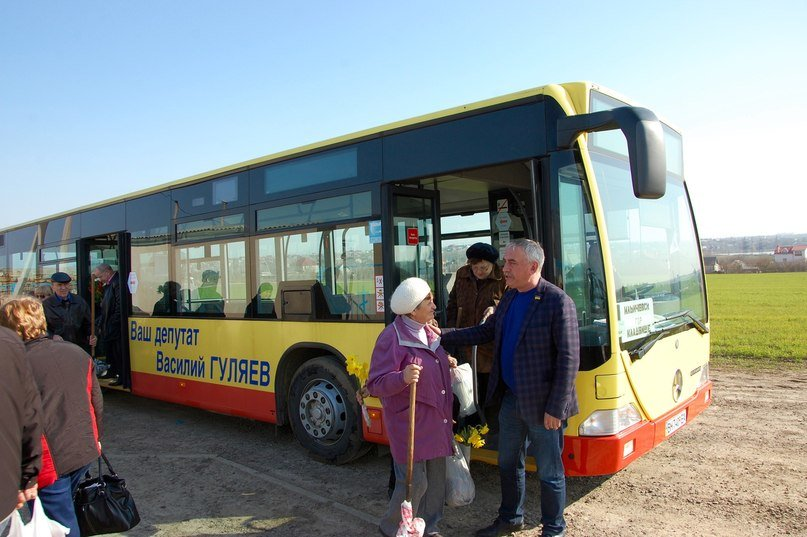 Еще один социальный автобус в Ильичевке (фото) - фото 1