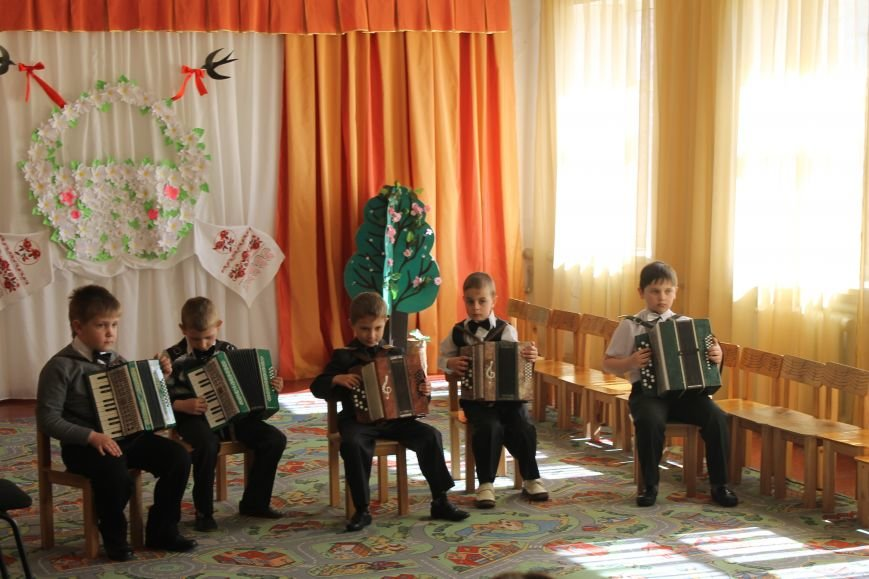 Маленькие музыканты Белицкого посетили с концертом Новодонецкое, фото-3
