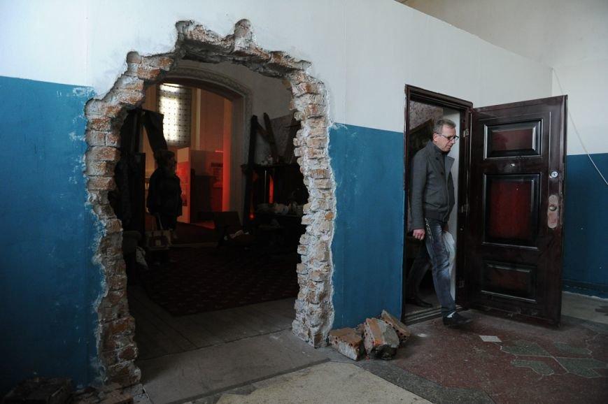 В Москве открылась скандальная выставка, посвященная годовщине войны на Донбассе (фото) - фото 12