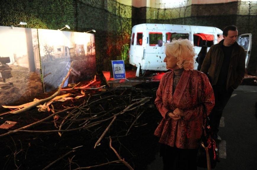 В Москве открылась скандальная выставка, посвященная годовщине войны на Донбассе (фото) - фото 7