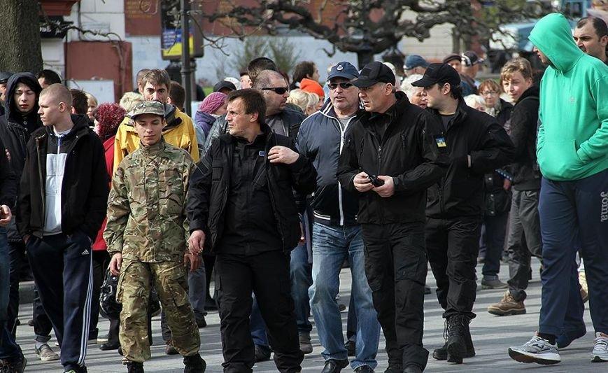 Массовое задержание: «евромайдановцы» схватили около 50 человек ( + видео ) (фото) - фото 2
