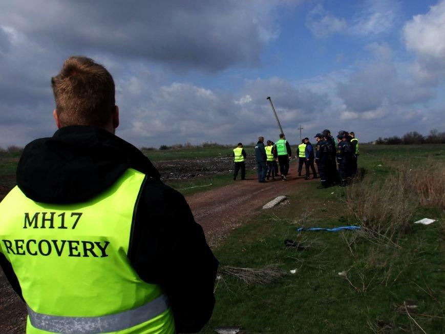 Международные эксперты прибыли на место крушения «Боинга» в Донецкой области (ФОТО) (фото) - фото 5