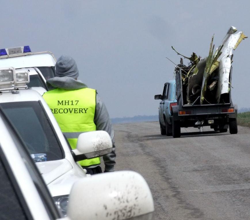 Международные эксперты прибыли на место крушения «Боинга» в Донецкой области (ФОТО) (фото) - фото 7