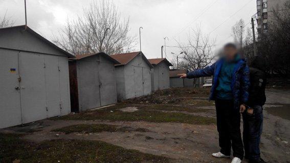 Двое иностранцев отобрали у харьковского бизнесмена 100 тысяч гривен и ограбили его во второй раз (фото) - фото 1