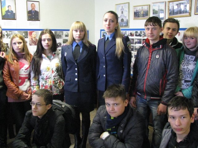В Доброполье школьники узнали работу милиции изнутри, фото-3