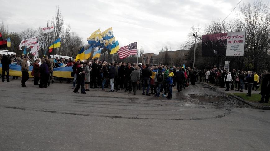 В Краматорске проходит шествие в поддержку Украины:ФОТОРЕПОРТАЖ (ОБНОВЛЯЕТСЯ) (фото) - фото 6