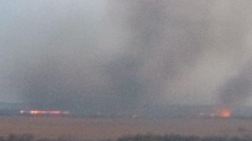 Огонь вплотную приблизился к Херсонскому мосту и дачам левобережья, фото-1
