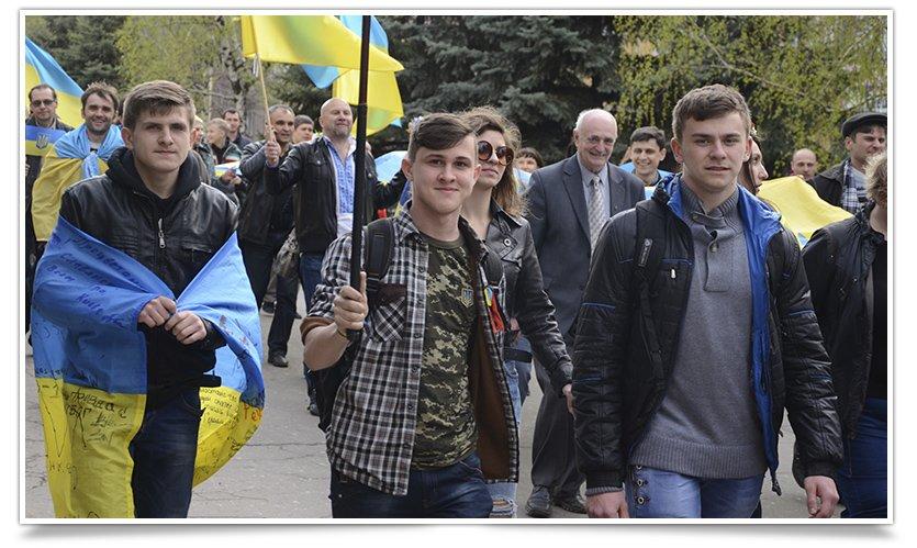 Как и кто валил Ленина в Крамоторске (фото) - фото 1
